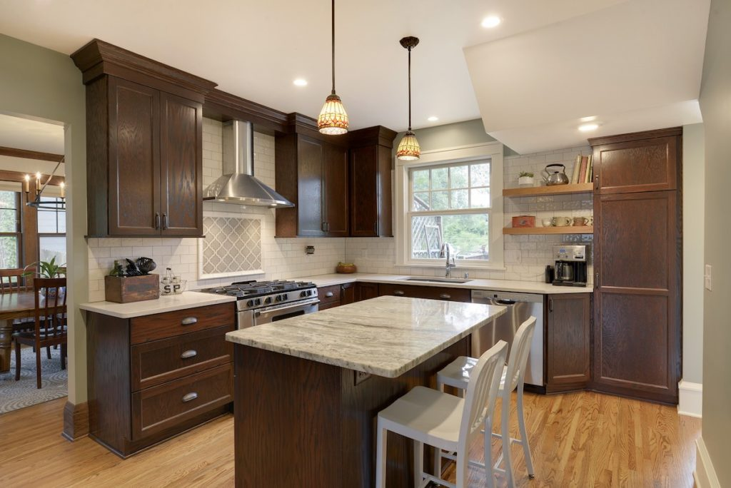 Countertops To Match Cherry Cabinets, What Countertops Look Best With Cherry Cabinets